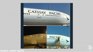"Źródło screen: Film Youtube.pl ""Cathay Pacific 777 Spelling Mistake"", autor: Dj's Aviation"