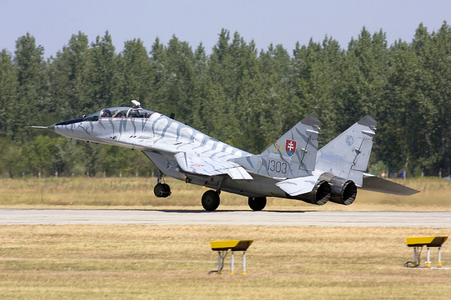 Słowacki Mig-29 na pokazach na Węgrzech w 2013 roku. / Rob Schleiffert from Holland [CC BY-SA 2.0 (https://creativecommons.org/licenses/by-sa/2.0)]